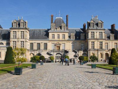 """Pourquoi nous ne signerons pas le """"plan social"""" de liquidation des Archives nationales de Fontainebleau"""